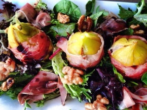 Grilled fig salad with pomegranate molasses and caramelisedwalnuts.