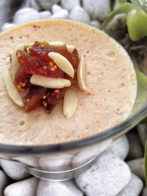Milk pudding with dried figs