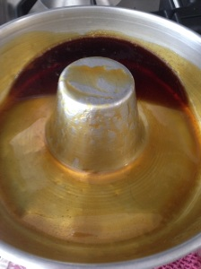 Rotating the caramel on sides of mould