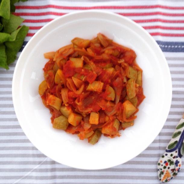 Eastern Mediterranean zucchini wth tomato sauce