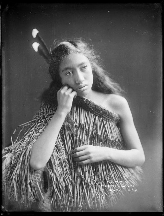 Unidentified Maori girl, Wanganui region - Photograph taken by Frank J Denton, Jun 1903 http://mp.natlib.govt.nz/detail/?id=32316&l=en